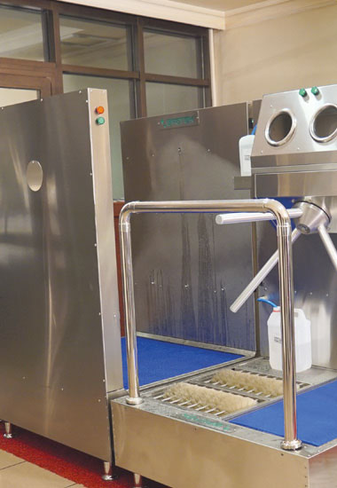 SM104050 - Disinfection System for Clothes Disinfection, Hand Disinfection with Turnstile and Shoe Bottom Disinfection With Washing Brushes 19